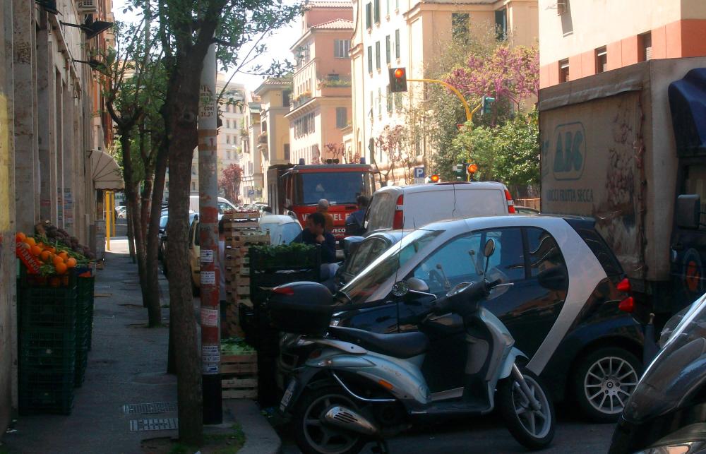 A-Roma-auto-ovunque-Foto-Guido-Comin
