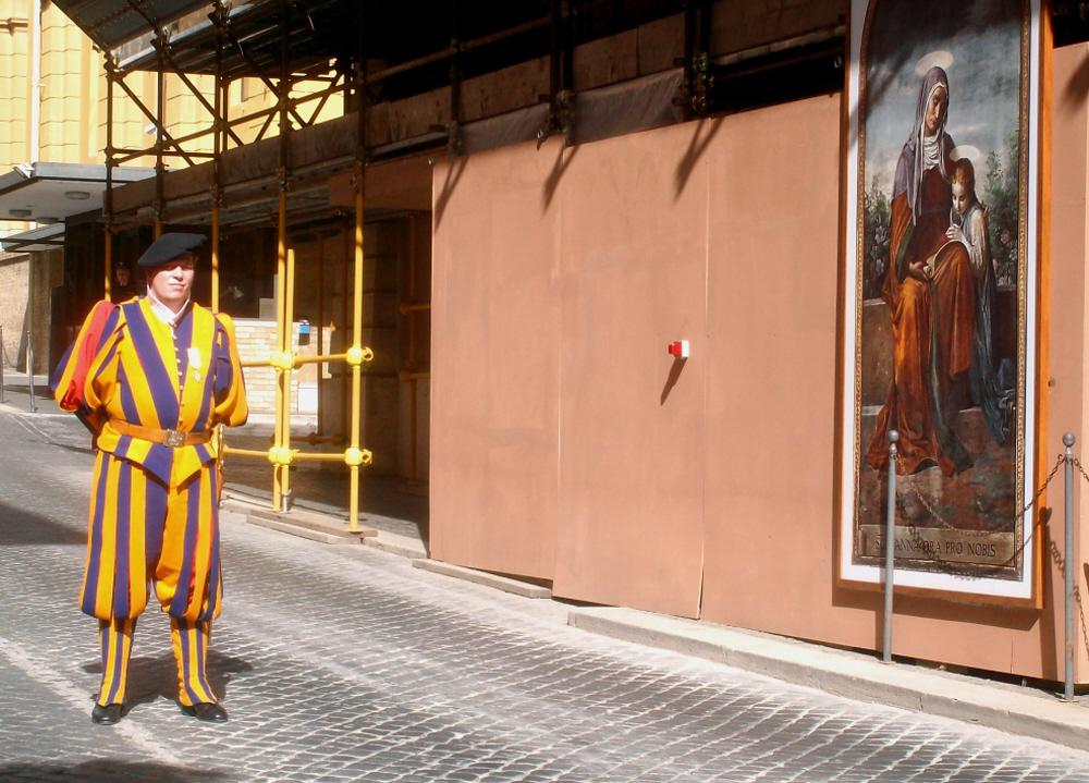 Guardia-svizzera-in-Vaticano-Foto-Guido-Comin